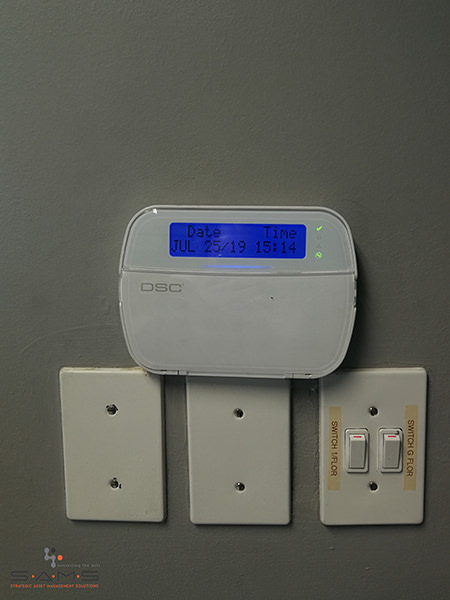 alarm panel, different zones, remote arming and disarming